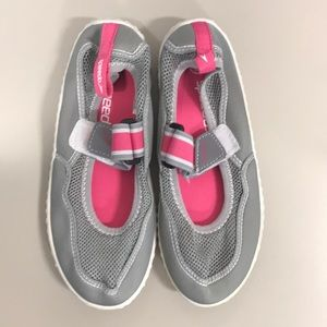 Speedo Water Shoes - Size 13/1